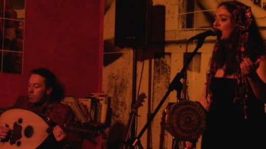 Simone Alves / Yann Gourvil / Astrakan Project world celtic music in Marseille Yann Gourvil 'Ud